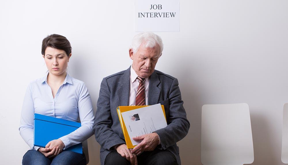 femme 50 ans cherche travail)